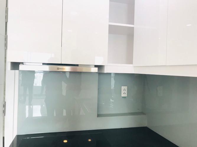 Nhà bếp căn hộ Terra Royal Cho thuê căn hộ 2 phòng ngủ Terra Royal Quận 3, thiết kế sang trọng, bàn giao ngay.