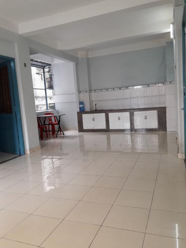 Căn hộ chung cư Bình Thới view nội khu mát mẻ, nội thất cơ bản.