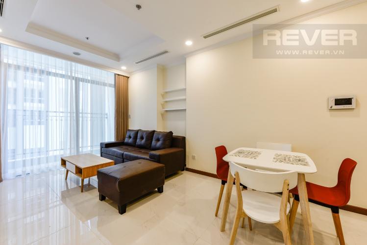 Phòng khách Căn hộ Vinhomes Central Park 2 phòng ngủ tầng cao L6 nội thất đầy đủ