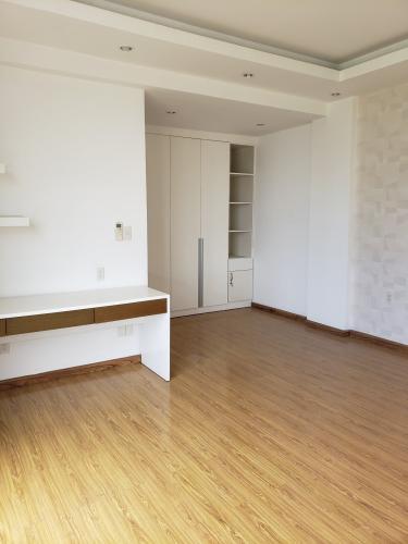 Bán căn hộ view thành phố - Star Hill Phú Mỹ Hưng tầng thấp, 1 phòng ngủ, diện tích 270m2, nội thất cơ bản.