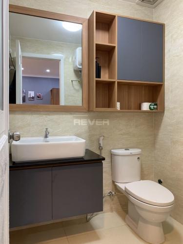 Phòng tắm căn hộ Heaven Riverview, Quận 8 Căn hộ Heaven Riverview tầng trung view thành phố, nội thất đầy đủ.