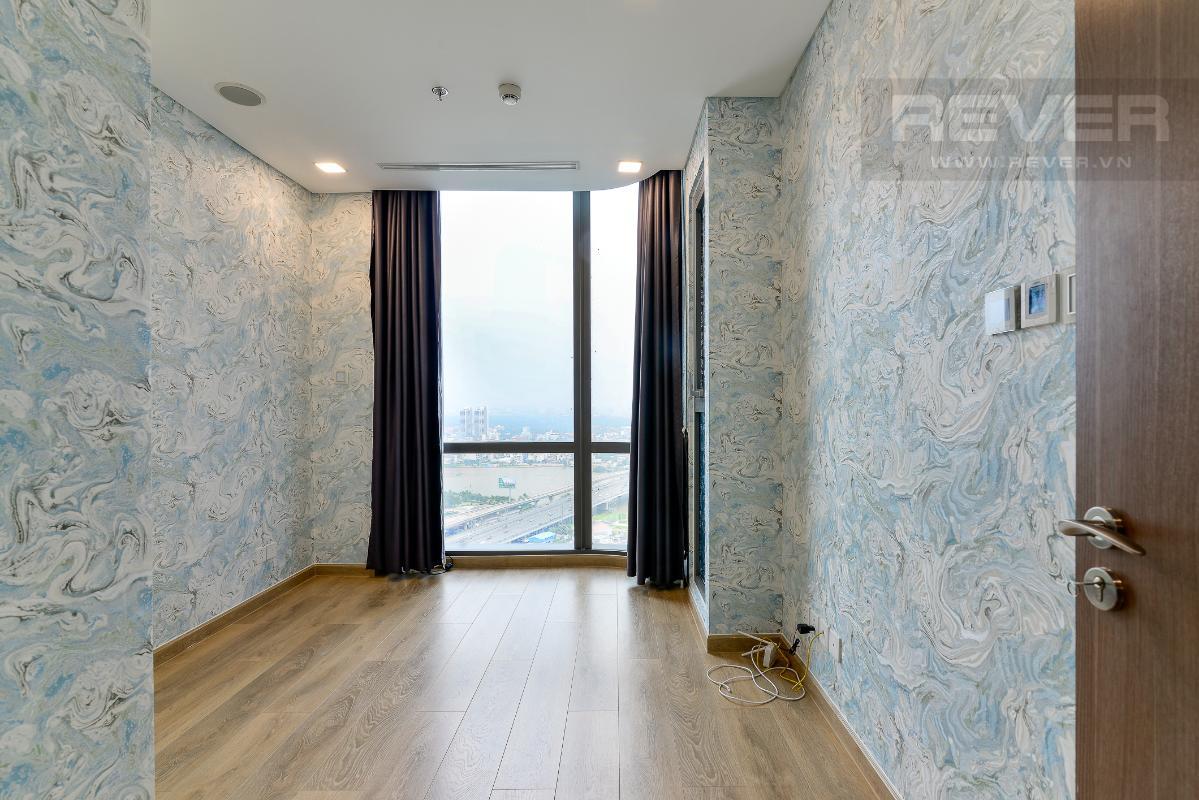 _DSC3985 Cho thuê căn hộ Vinhomes Central Park 2PN, tháp Landmark 81, nội thất cơ bản, là căn góc, view Xa lộ Hà Nội