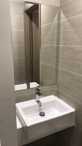 Phòng tắm căn hộ Vinhomes Grand Park Căn hộ Vinhomes Grand Park bàn giao đầy đủ nội thất tiện nghi.
