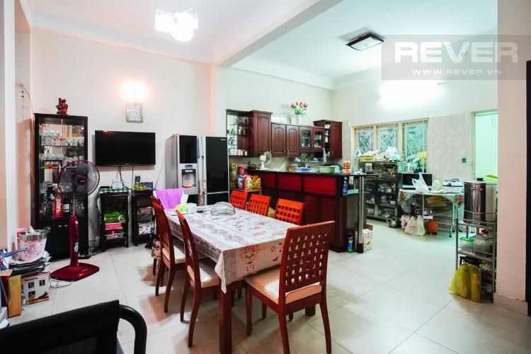 Phòng Ăn Bán nhà phố 2 tầng, đường 73, phường Tân Quy Q.7, diện tích đất 135m2, đầy đủ nội thất, cách Lotte Mart 500m
