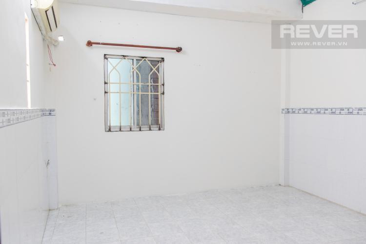 Phòng Ngủ 2 Bán nhà hẻm đường Hoàng Diệu, Quận 4, 3PN, diện tích đất 40m2, cách phố ẩm thực Vĩnh Khánh 100m.