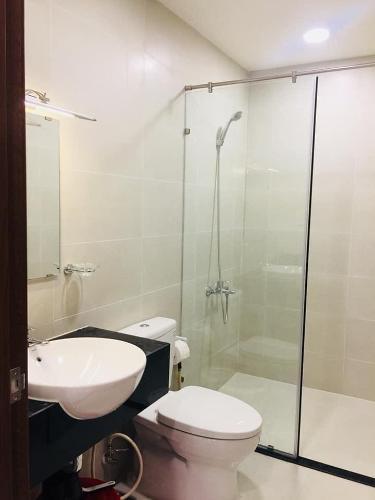 toilet căn hộ Grand Riverside Bán căn hộ Grand Riverside nhìn về phía Bitexco đầy đủ nội thất.