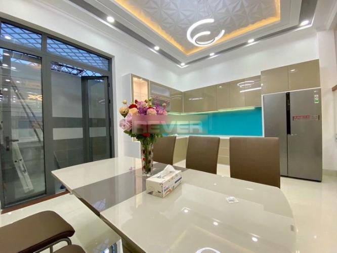 Căn hội chung cư Khánh Hội 2 hướng Tây, nội thất cơ bản.