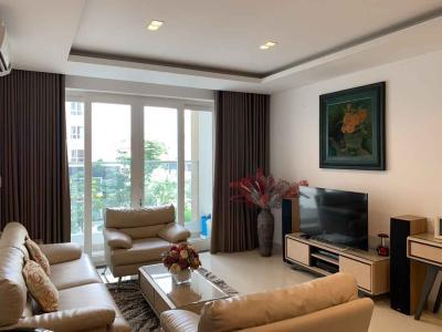Bán căn hộ Sky Center 3PN, diện tích 130m2, nội thất cơ bản, view hồ bơi