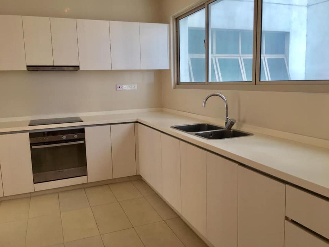 Bếp Bán hoặc cho thuê căn hộ The Vista An Phú 3PN, tháp T4, nội thất cơ bản, căn góc view thoáng