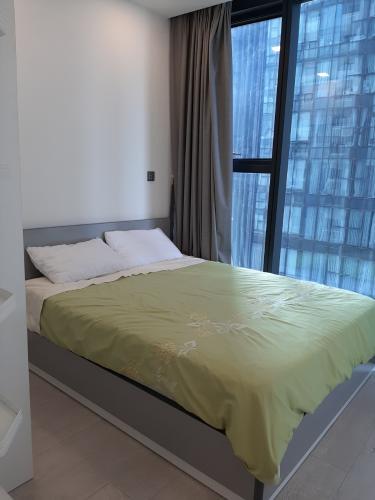 Phòng ngủ Vinhomes Golden River, Quận 1 Căn hộ tầng cao Vinhomes Golden River bàn giao đủ nội thất.