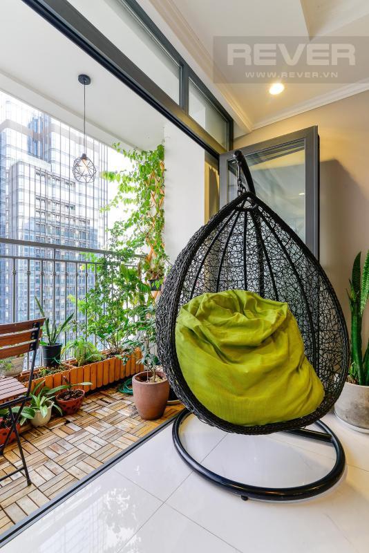 b72db111ed45141b4d54 Bán căn hộ Vinhomes Central Park 3PN, đầy đủ nội thất, view sông và nội khu