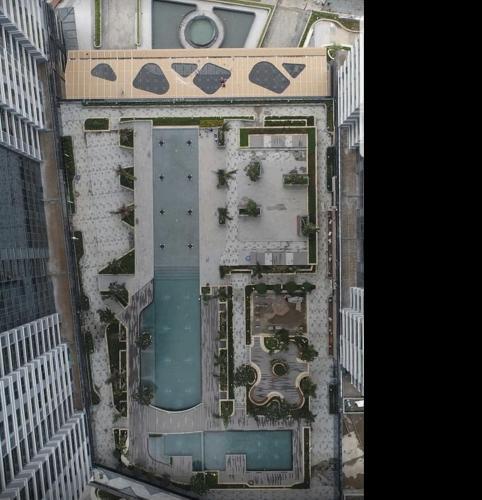 Bán căn hộ Sunwah Pearl tầng cao, 3 phòng ngủ, diện tích sàn 123m2