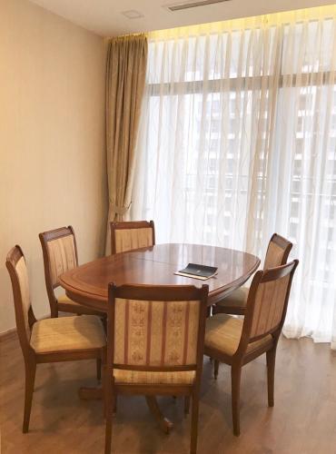 Nội thất căn hộ Vinhomes Central Park Căn hộ tầng cao Vinhomes Central Park đầy đủ nội thất, 3 phòng ngủ.