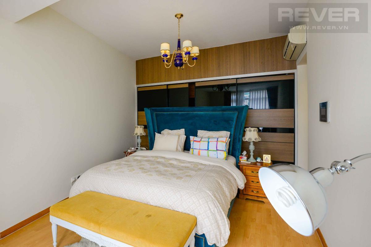 bedroom 1 Bán hoặc cho thuê căn hộ Saigon Pearl 3PN, tầng cao, tháp Sapphire 1, đầy đủ nội thất, view sông và thành phố