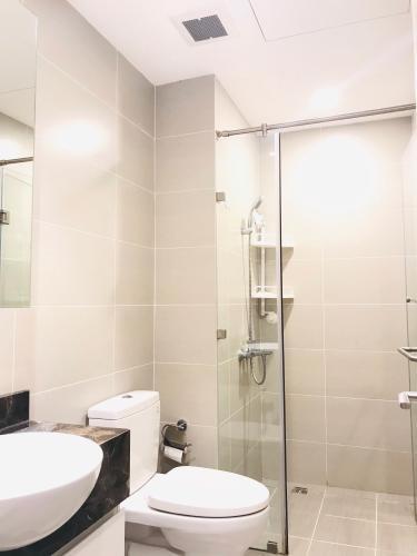 Phòng tắm căn hộ The Gold View Bán căn hộ The Gold View tầng trung, nội thất cơ bản, diện tích 68m2.