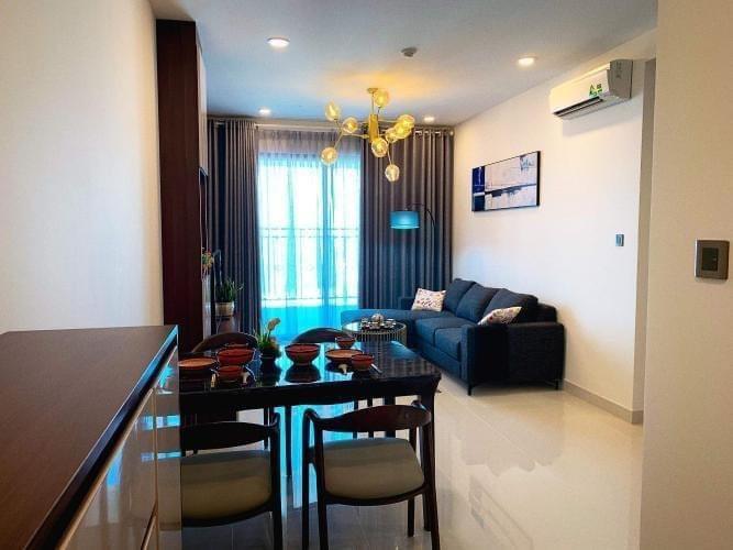 Phòng khách Saigon Royal, Quận 4 Căn hộ Saigon Royal đầy đủ nội thất, view tầng cao thoáng mát.