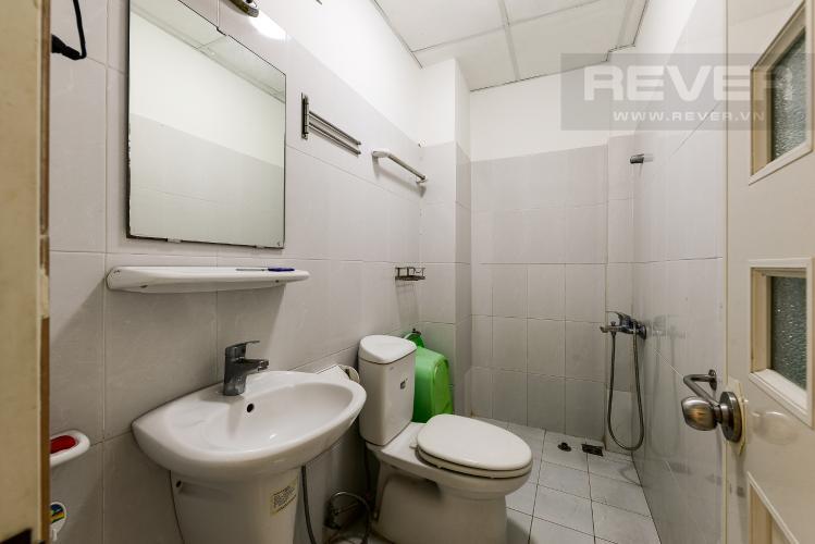 Phòng tắm 1 Nhà phố 4 phòng ngủ đường Lý Thường Kiệt Quận 11 diện tích 168m2