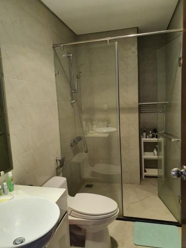 Phòng tắm Vinhomes Central Park Căn hộ Vinhomes Central Park view nội khu, nội thất cơ bản.
