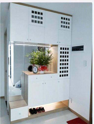 Bán căn hộ New City Thủ Thiêm, diện tích 69.74m2, gồm 2 phòng ngủ, nội thất cơ bản.