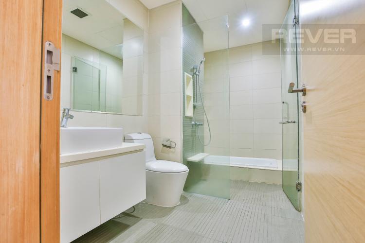 Toilet 2 Căn hộ The Vista 2 phòng ngủ tầng cao tòa T4 view hồ bơi