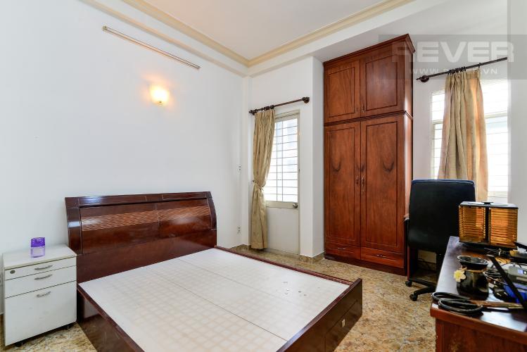Phòng Ngủ Tầng 2 Cho thuê nhà phố hẻm Nguyễn Thiện Thuật, 2 tầng, 5 phòng ngủ, cách Ngã 6 Lý Thái Tổ 700m