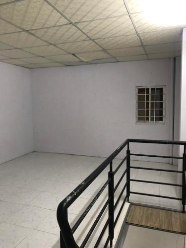 Không gian nhà phố đường Lê Văn Lương, Quận 7 Nhà phố hướng Nam nội thất cơ bản, bàn giao ngay sổ hồng.