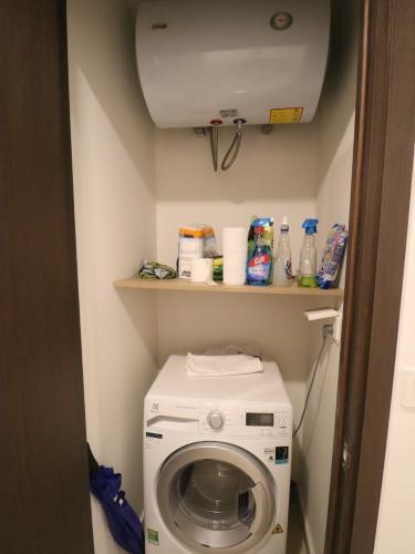 phòng giặt căn hộ The Tresor Căn hộ tầng cao The Tresor nội thất đầy đủ view thành phố thoáng mát.