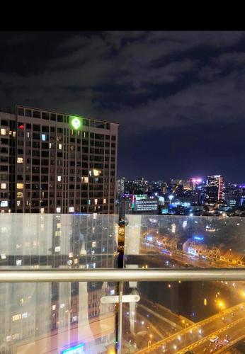 ban công Masteri Millennium Căn hộ Masteri Millennium đầy đủ nội thất, view sông và thành phố.