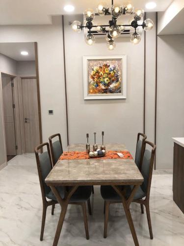 Bàn ăn căn hộ Phú Mỹ Hưng Midtown Căn hộ Phú Mỹ Hưng Midtown nội thất sang trọng, hiện đại, view thoáng.