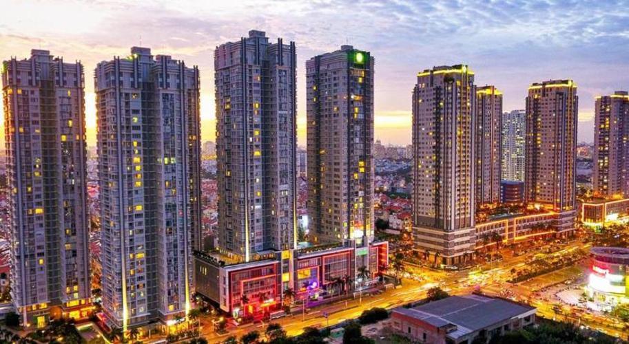 Cho thuê căn hộ Sunrise City tầng 27, diện tích 157m2, view nhìn thông thoáng, mát mẻ