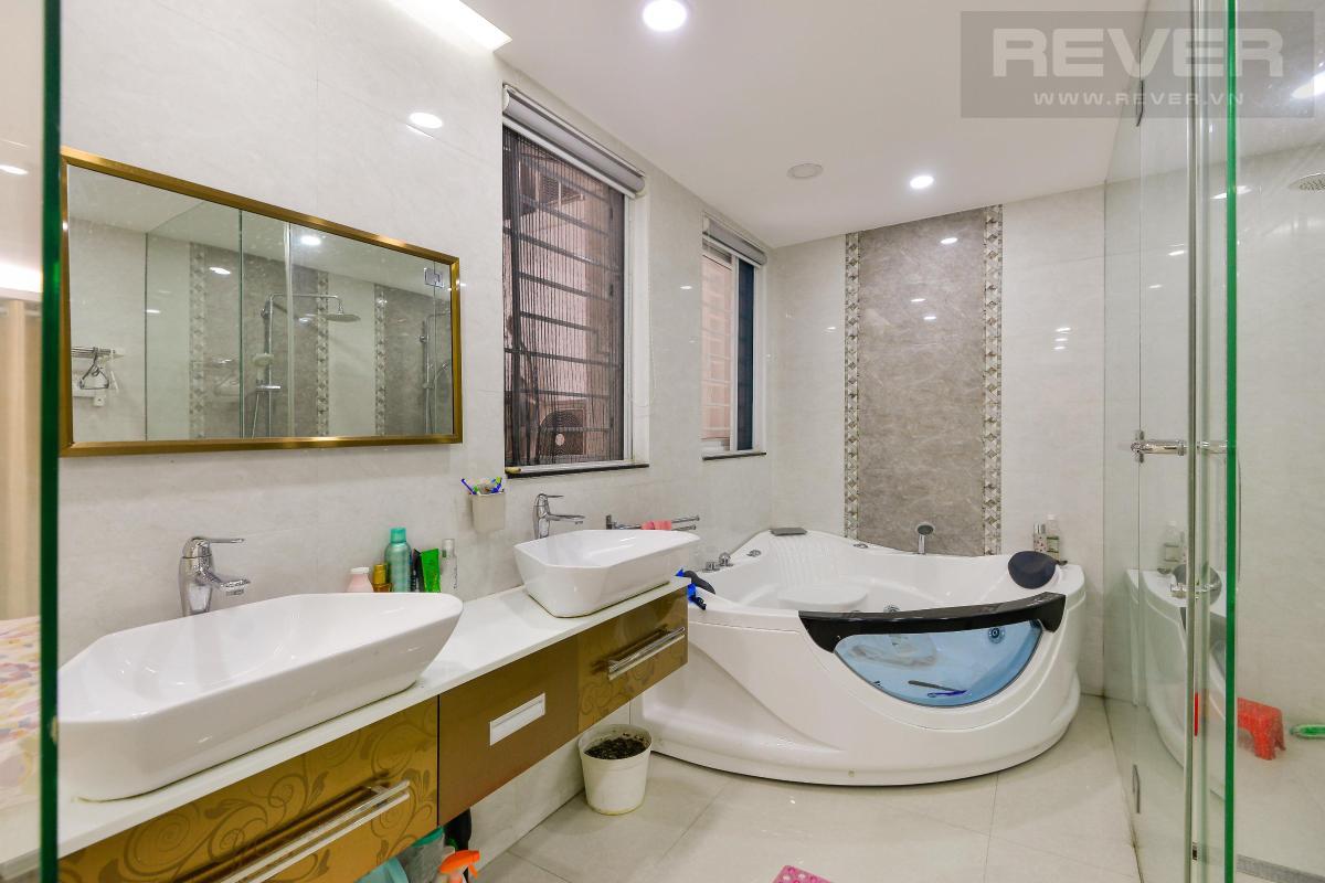 Phòng tắm Bán shophouse Hoàng Anh Gia Lai 1, diện tích sàn 127m2, nội thất cao cấp, đã có sổ hồng