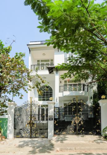 Mặt Tiền Nhà phố đường Lê Văn Lương, Quận 7, 3 tầng, nội thất đầy đủ, sổ đỏ chính chủ