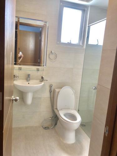 Phòng tắm căn hộ Scenic Valley, Quận 7 Căn hộ Scenic Valley tầng cao view sông thoáng gió