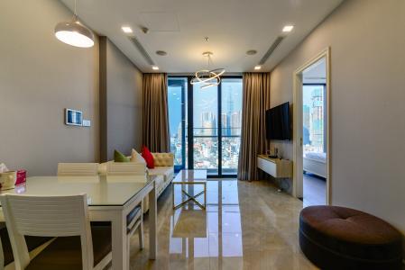 Cho thuê căn hộ Vinhomes Golden River tầng trung, 2PN 2WC, đầy đủ nội thất, view Landmark 81