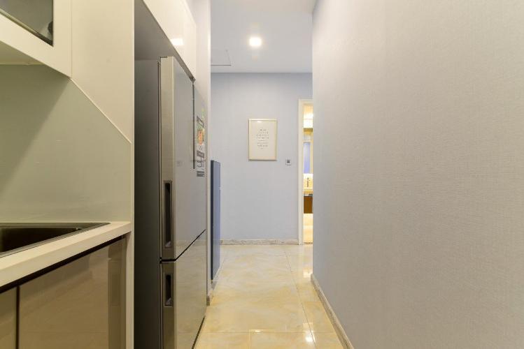 Phòng bếp căn hộ Vinhomes Golden River Căn hộ Vinhomes Golden River tầng thấp đầy đủ nội thất tiện nghi.