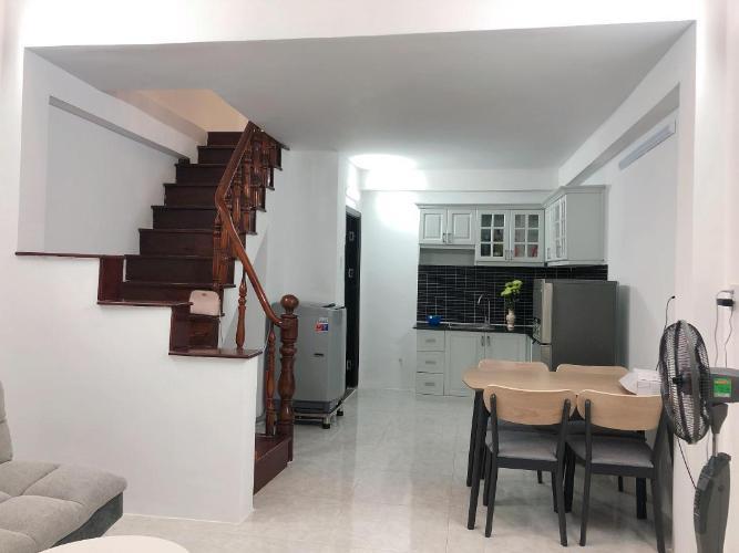 Bán nhà phố hẻm Trần Xuân Soạn 2PN, đầy đủ nội thất, hướng Đông thoáng mát, dưới chân dự án cầu Nguyễn Văn Cừ 2