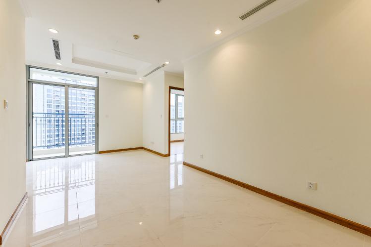 Căn hộ Vinhomes Central Park 2 phòng ngủ tầng cao C3 hướng Đông