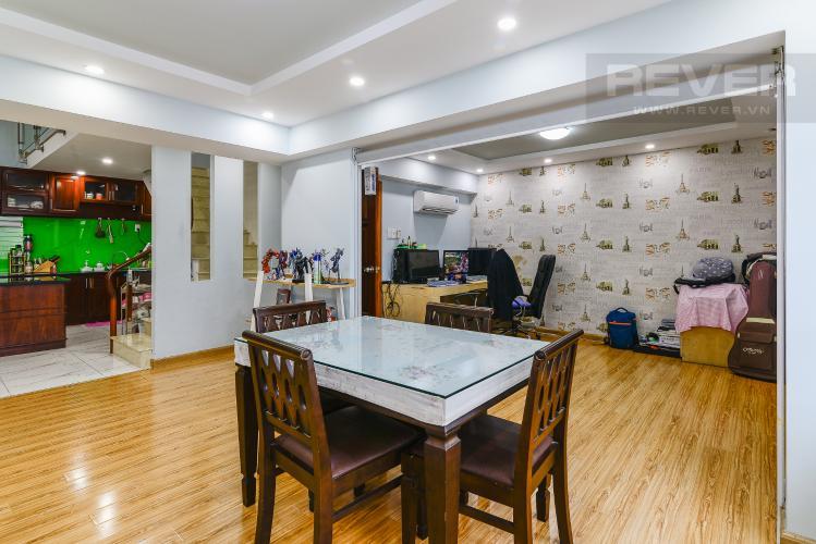 Phòng Ăn Căn hộ Phú Hoàng Anh tầng cao 4 phòng ngủ đầy đủ nội thất