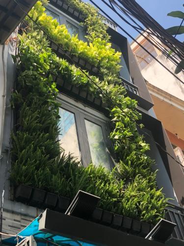 Bán nhà phố hẻm 3 tầng đường Thích Quảng Đức, quận Phú Nhuận, diện tích 30m2, giấy tờ pháp lý đầy đủ.