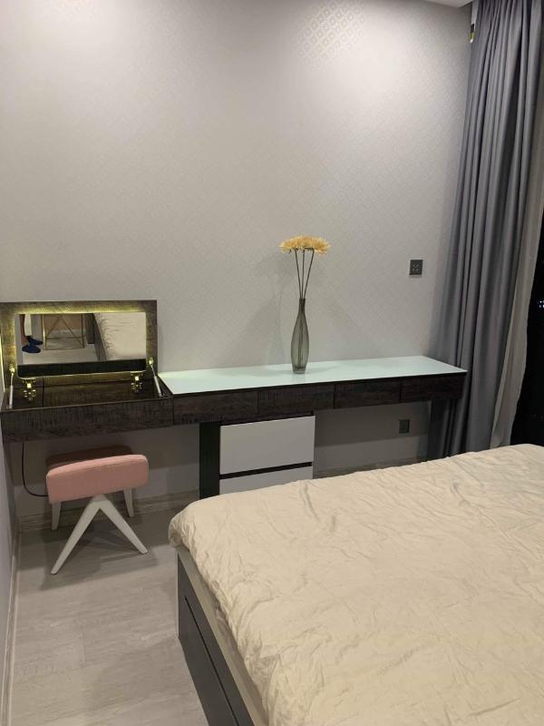Phòng ngủ 2 Bán hoặc cho thuê căn hộ Vinhomes Golden River 2PN, tháp The Aqua 2, diện tích 68m2, đầy đủ nội thất cao cấp, view Bitexco