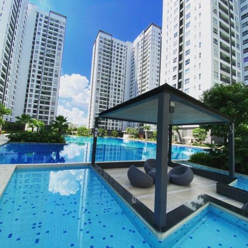 Bán căn hộ tầng cao Sunrise Riverside view hồ bơi và sông thoáng mát.