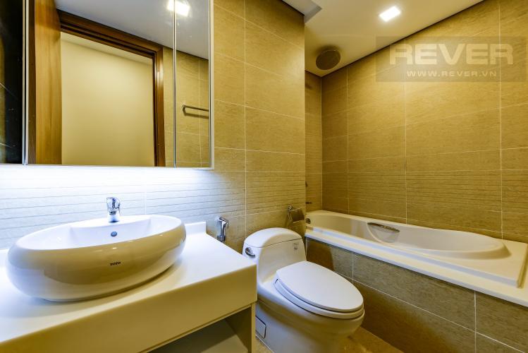 Phòng Tắm 2 Căn hộ Vinhomes Central Park tầng cao Park 6 rộng rãi, thoáng mát, view sông