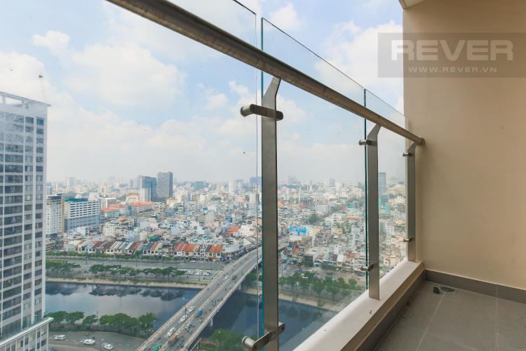 Balcony Căn hộ Masteri Millennium tầng cao 2PN đầy đủ nội thất view sông