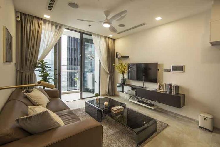 Bán căn hộ 1 phòng ngủ Vinhomes Golden River, vị trí căn hộ đẹp, giao nhà ngay.