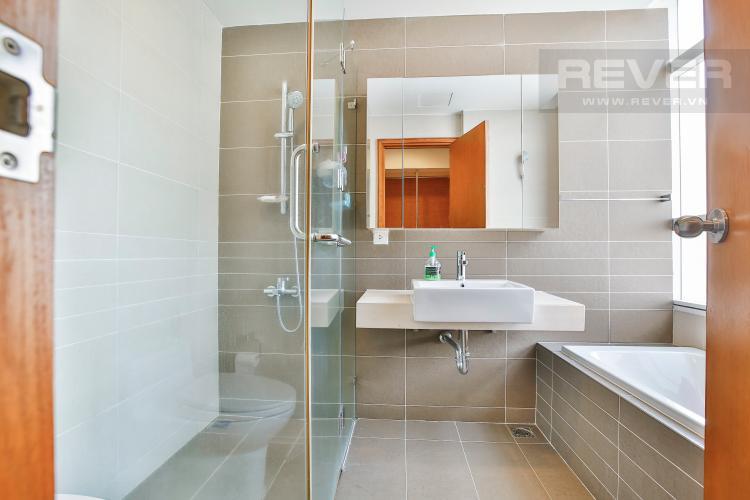Toilet 1 Căn hộ Sunrise City 2 phòng ngủ tầng cao V3 đầy đủ tiện nghi