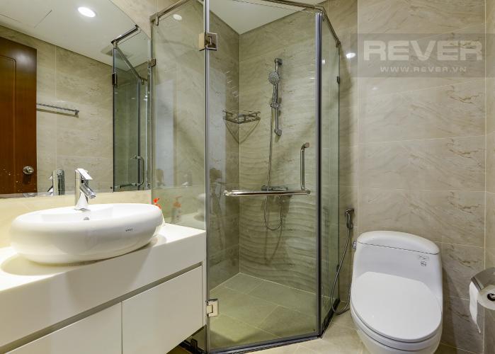phòng tắm 1 Căn hộ Vinhomes Central Park trung tầng Landmark 1 view nội khu