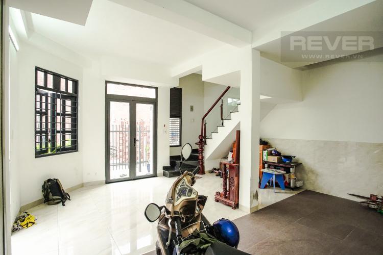 Nhà Giữ Xe Cho thuê nhà phố 3 tầng đường Thạnh Mỹ Lợi, Q2, đầy đủ nội thất, sổ đỏ chính chủ