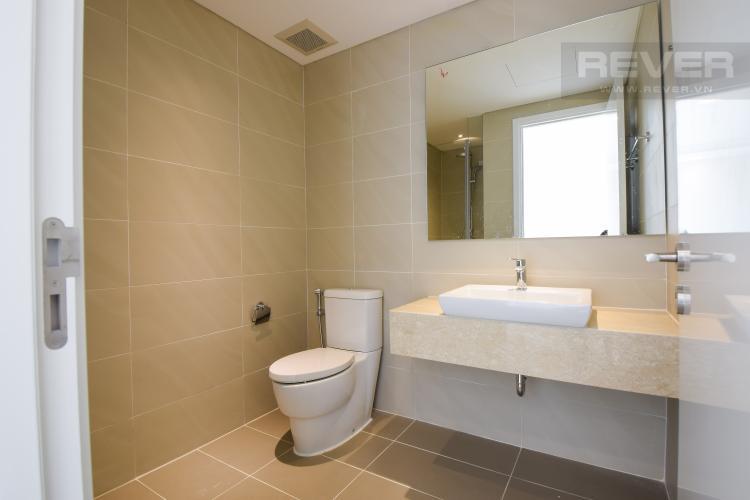 Toilet 2 Bán hoặc cho thuê căn hộ Diamond Island tầng thấp 2PN, đa tiện ích