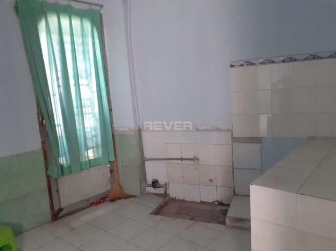 Phòng bếp nhà Phước Long B Quận 9 Nhà đường số 185 Phước Long B, 2 mặt tiền 51m2.