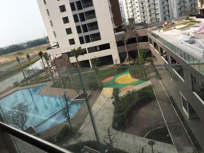 view nhìn ra phía ngoài căn hộ mizuki Căn hộ Mizuki Park view nội khu hồ bơi, nội thất cơ bản.